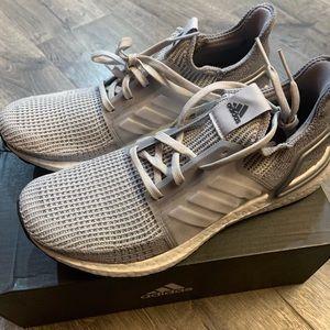 Adidas women's UltraBoost 19 Shoe NIB size 10